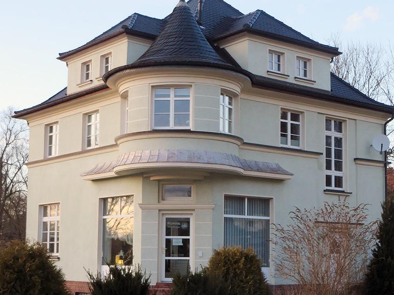 Bestattungsinstitut Kuhne Ansprechpartner Kontakt Ebersbach
